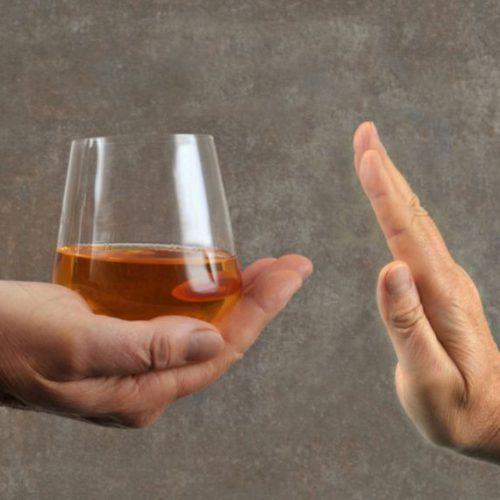 Wszywka alkoholowa – czym jest disulfiram i jak działa na organizm?