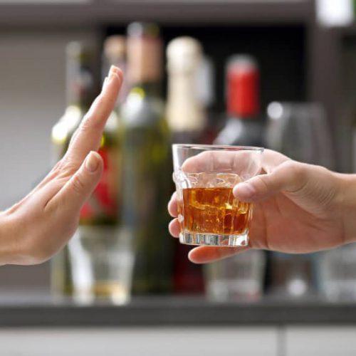 Detoks alkoholowy – czy samo odtrucie wystarczy, by alkoholik przestał pić?