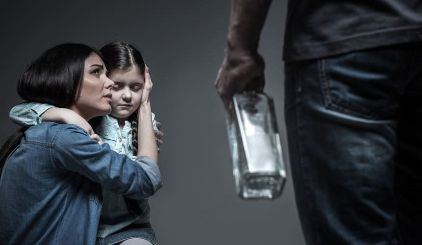 Ubezwłasnowolnienie alkoholika – czyli kiedy można wysłać człowieka na przymusowe leczenie odwykowe?