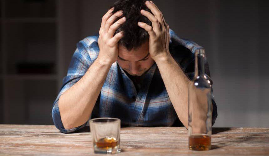 Zaburzenia psychiczne wynikające z picia alkoholu